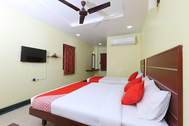 OYO 15558 Sri Sai Nivas Inn Deluxe