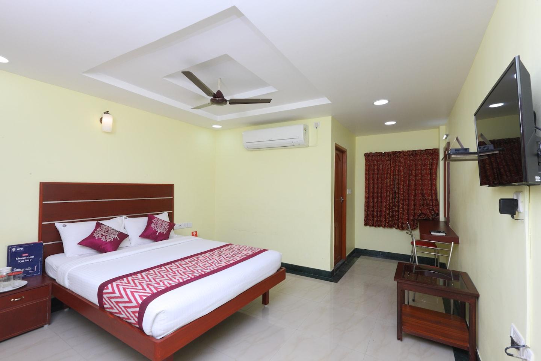 OYO 15558 Sri Sai Nivas Inn -1