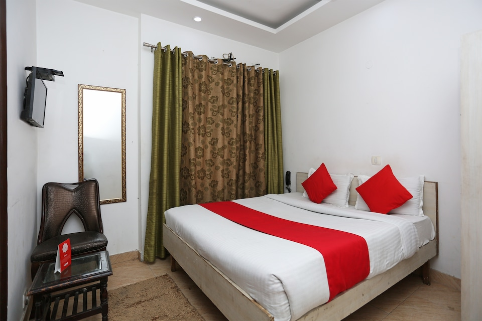 OYO 15563 Bir Home Stay