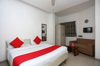 OYO 15563 Bir Home Stay Deluxe