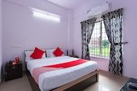 OYO 15599 Reem Residency