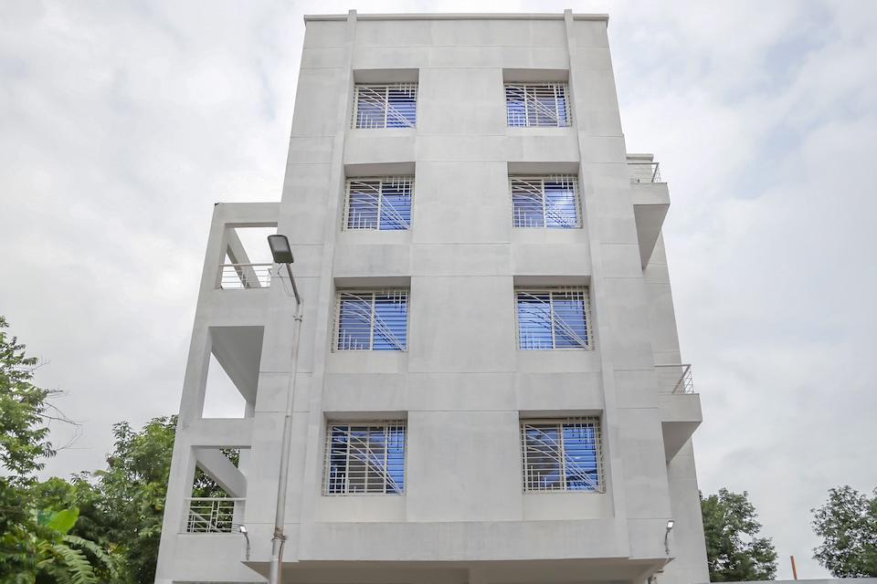 Capital O 15610 Omkar Executive, Koregaon Park Pune, Pune