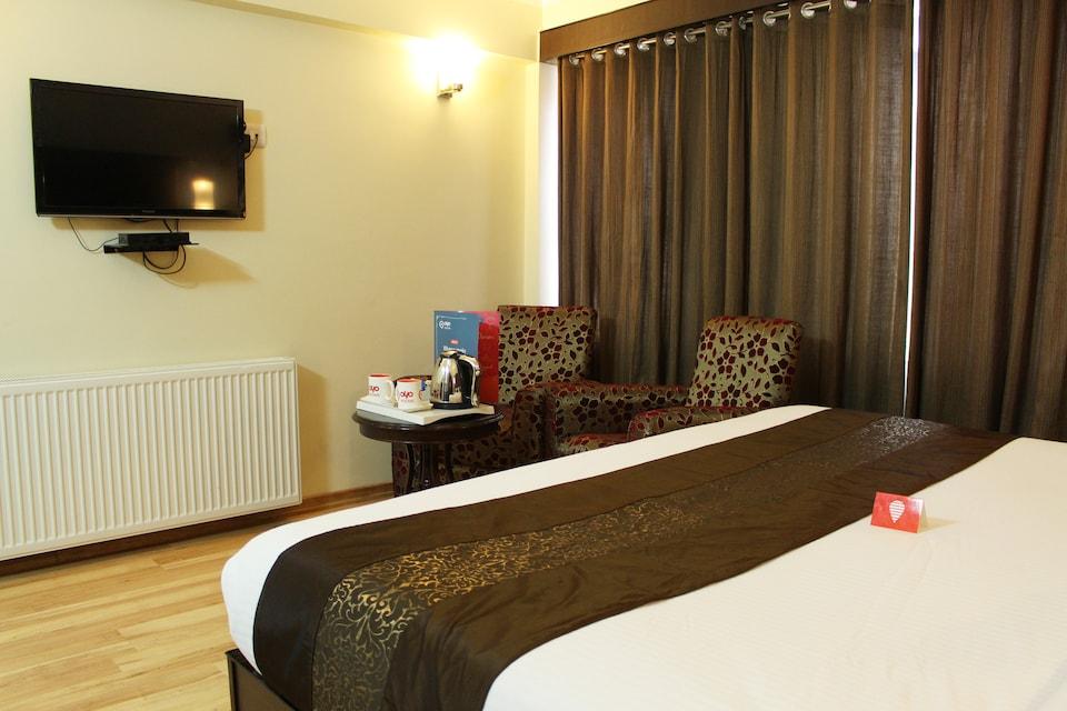 OYO 2710 Hotel Pacific