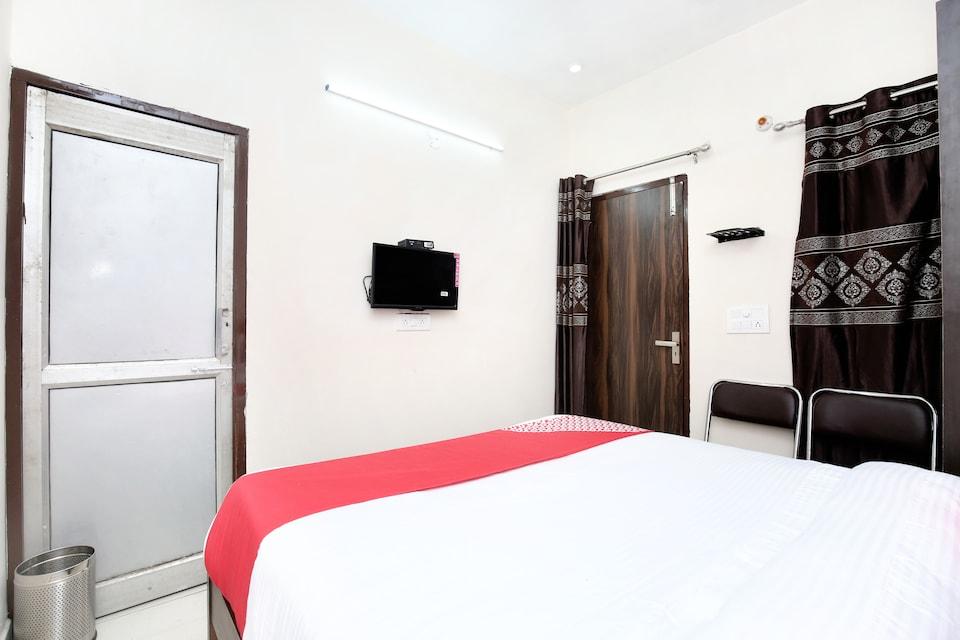 OYO 15620 Hotel Dynasty