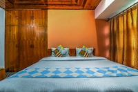 OYO Home 15642 Luxurious Family Stay