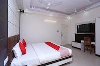 OYO 15643 Laxmi Sadan Residency