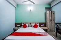 OYO 15650 Tourist Inn