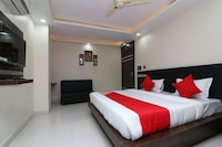 OYO 15671 Hotel Jalsa Dlx Deluxe