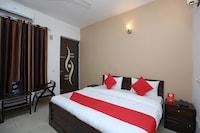 OYO 15674 Mahak Residency