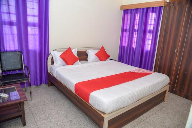 OYO 15684 Hotel Vibrant Inn Saver