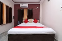 OYO 15722 Hotel Padmavati