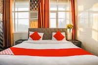 OYO 15737 Hotel Luxbury Inn