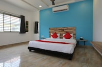 OYO 15743 Indore Inn