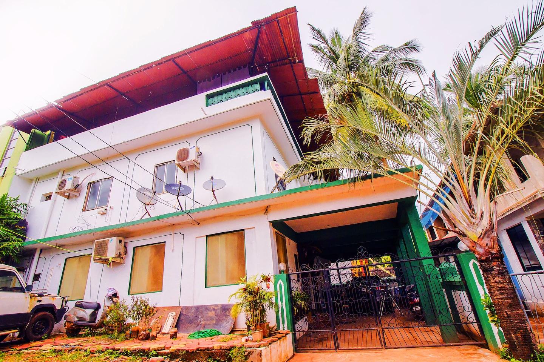 OYO 15757 Home Studio Calangute Beach -1
