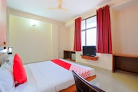 Capital O 15782 Hotel Royal Residency
