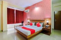 Capital O 15782 Hotel Royal Residency