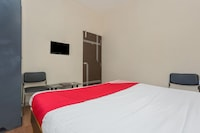 OYO 15847 Hotel Mathura Lodging