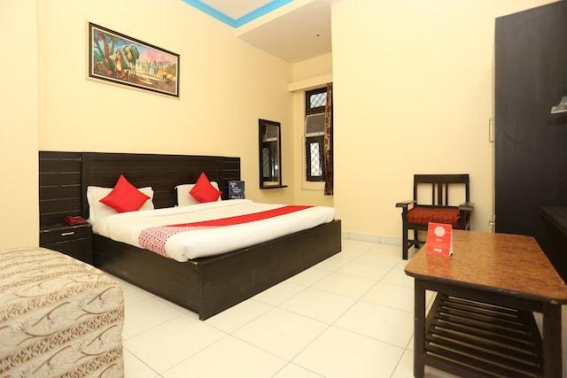 OYO 15848 Hotel Mahajan Palace
