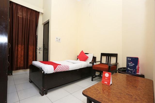 Capital O 15848 Hotel Mahajan Palace Saver