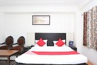 Capital O 15848 Hotel Mahajan Palace Deluxe