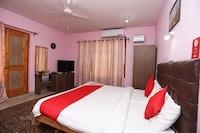 OYO 15858 Hotel Grand Comforts