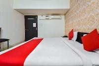 OYO 15933 Hotel V Square