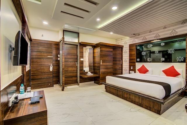 Capital O 15950 J K Residency