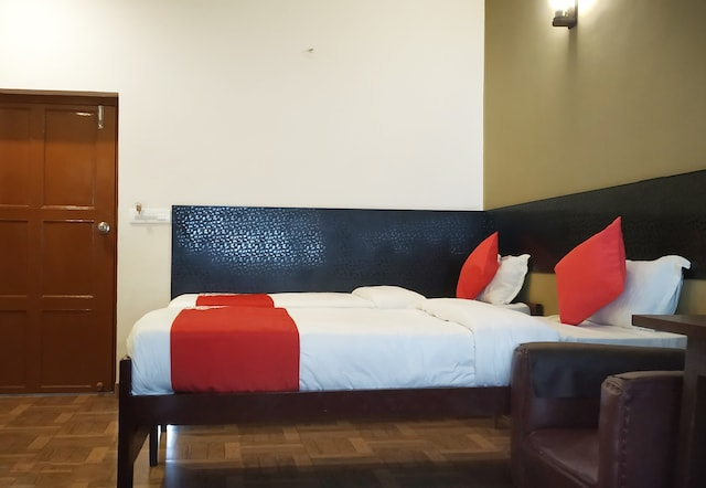 OYO 15953 North Bengal Guest House
