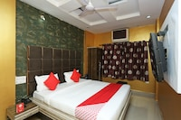 OYO 15977 Hotel Angel Regency