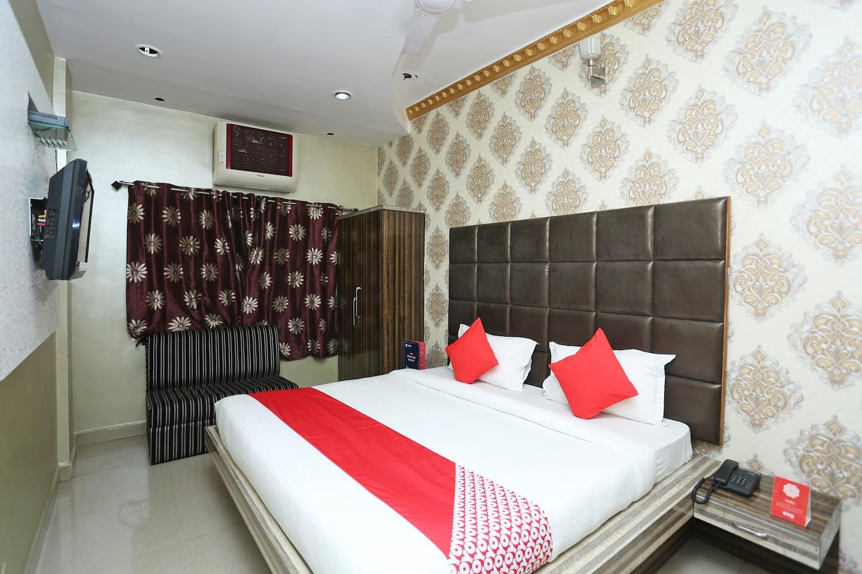 OYO 15977 Hotel Angel Regency -1