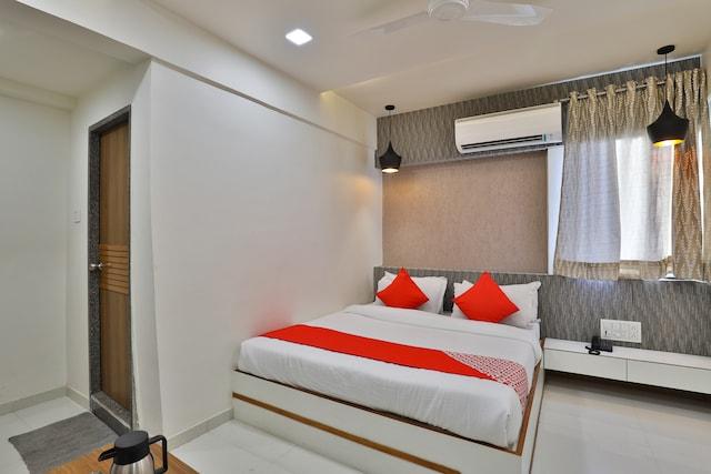 OYO 15981 Hotel Shiv Ganga