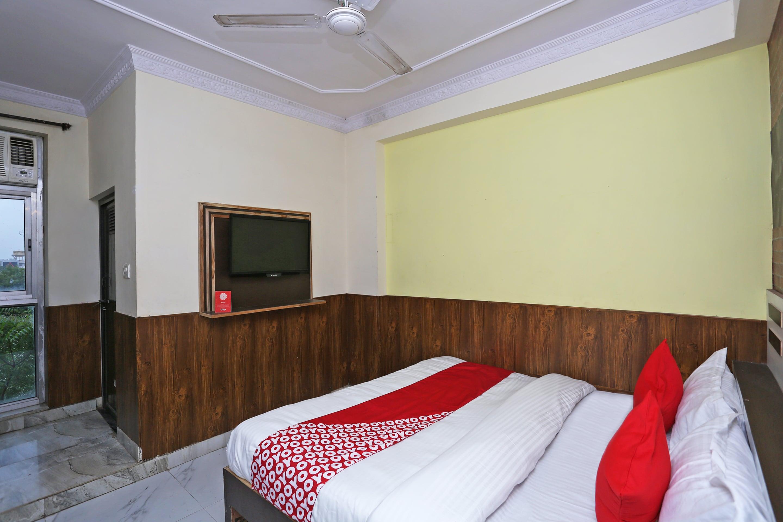 OYO 15994 Hotel Bullet Inn & Lounge