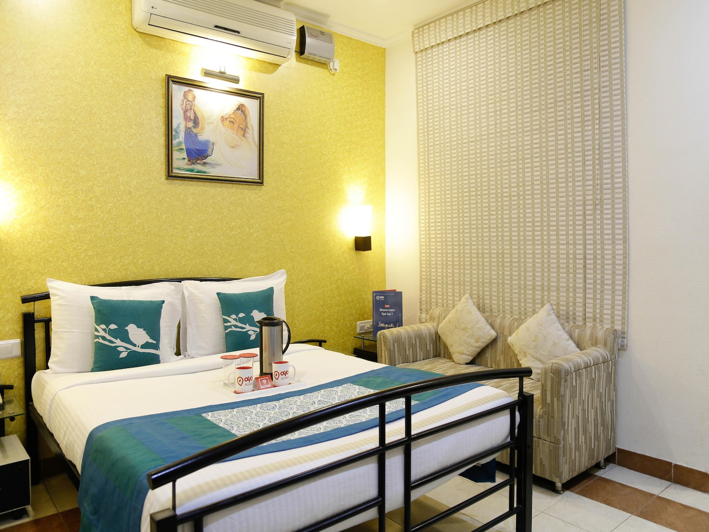 OYO 2730 Hotel Ethnic Residency Room-1