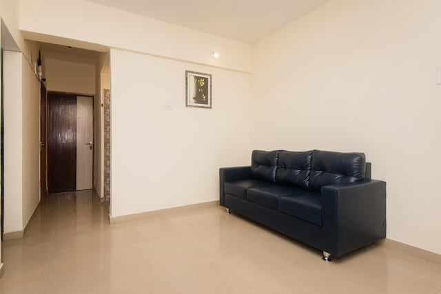OYO 16021 Airoli Apartments Saver