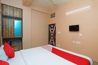 OYO 16059 Roland Inn