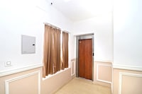 OYO 16082 Hotel Imperial Corner Suite