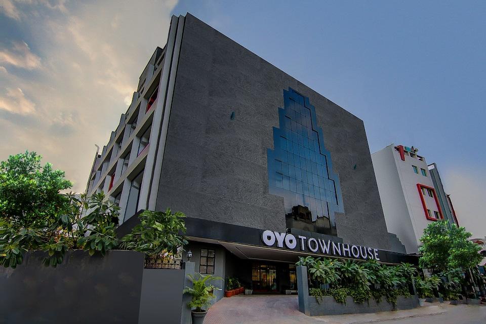 OYO Townhouse 045 Lakdi ka Pul