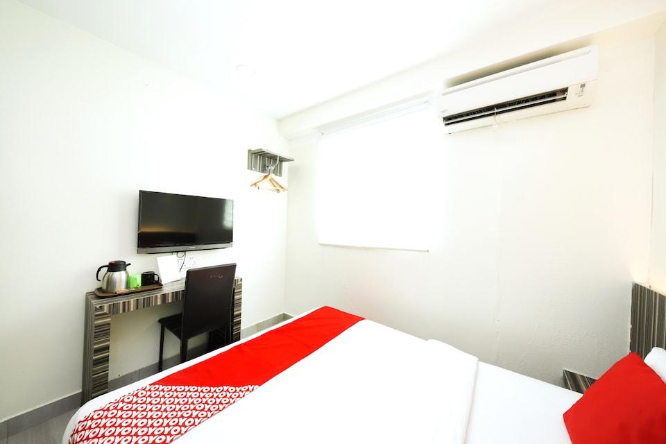 OYO 335 Sunrise Golden Hotel