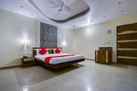 OYO 16127 Hotel Taurus