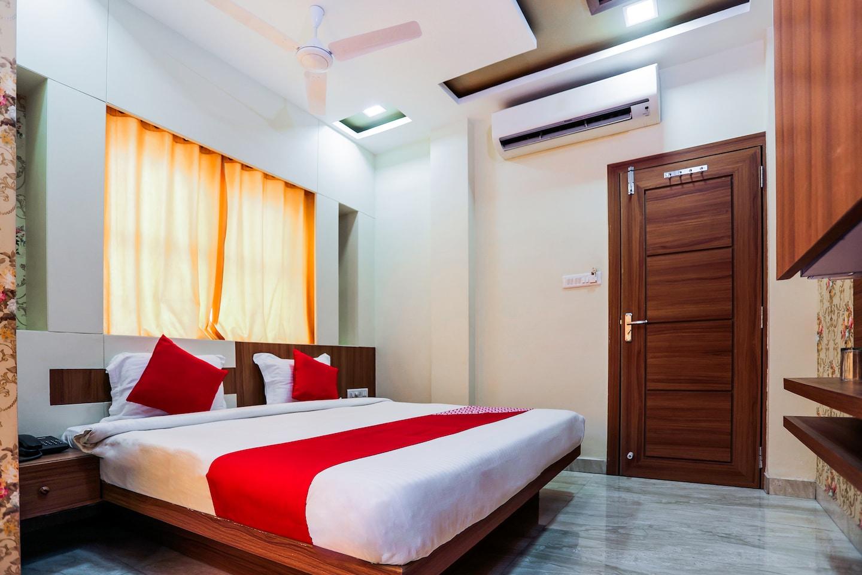 OYO 16163 Hotel Shri Hari -1