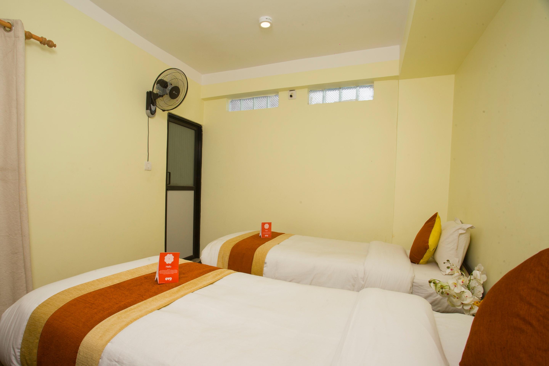 OYO 156 Hotel Sweet Town