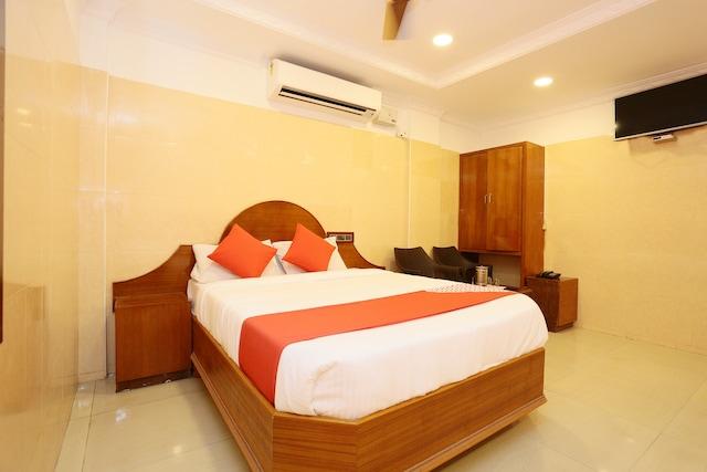 OYO 16388 Hotel Jeyam