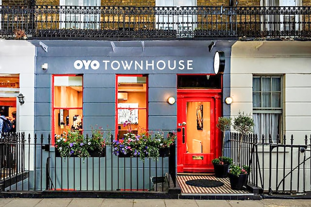 OYO Townhouse 30 Sussex Hotel