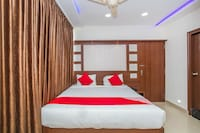 OYO 16473 Ring View Hotels Suite