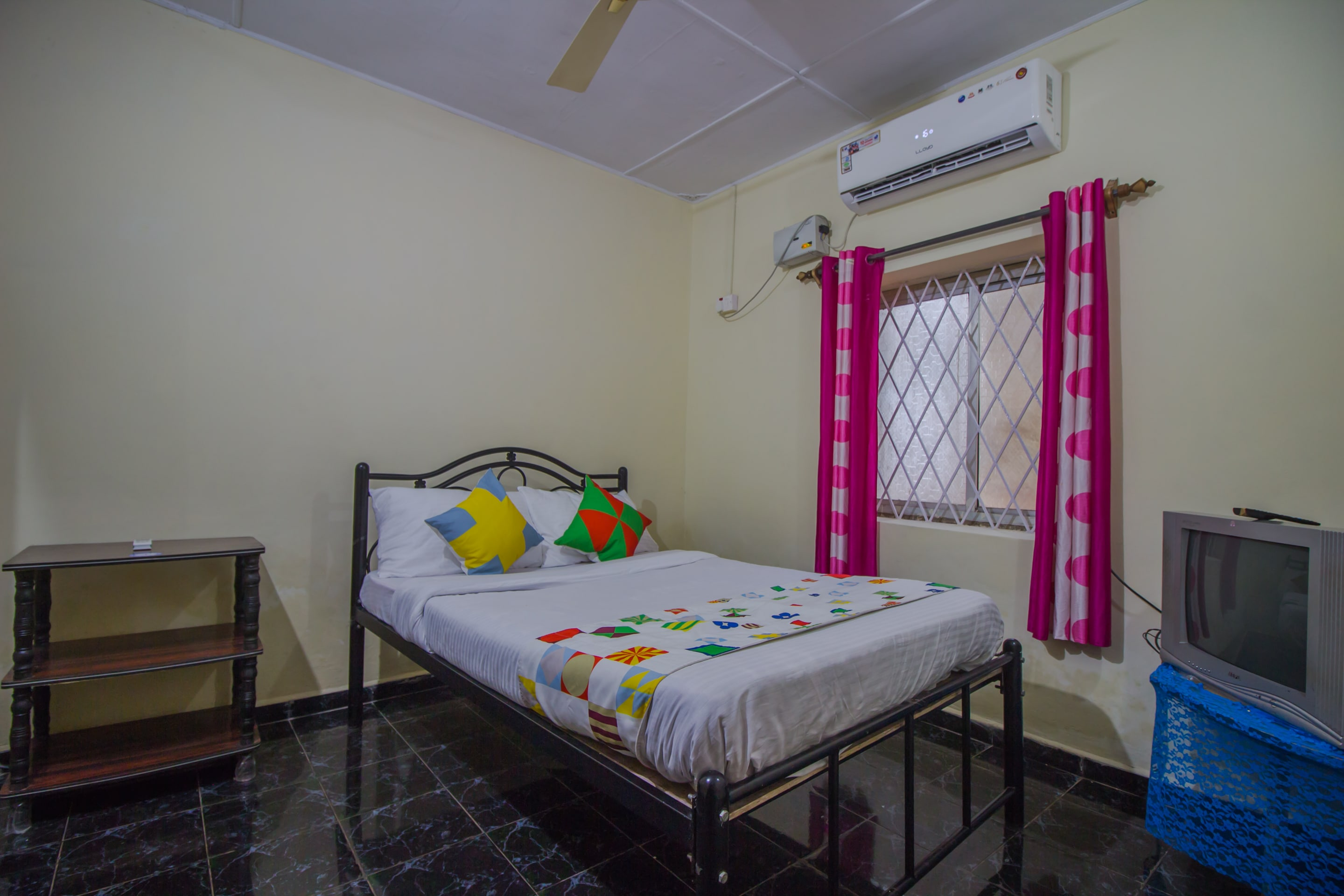 Hotel Gallarey OYO Home 16483 Garden View 1BHK