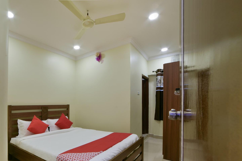 OYO 16509 Mak Residency -1