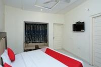 OYO 16520 Green's Hotel