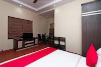 OYO 16538 Shanti Palace