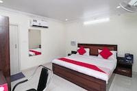 OYO 16551 Royal Aayoyjanam Hotel