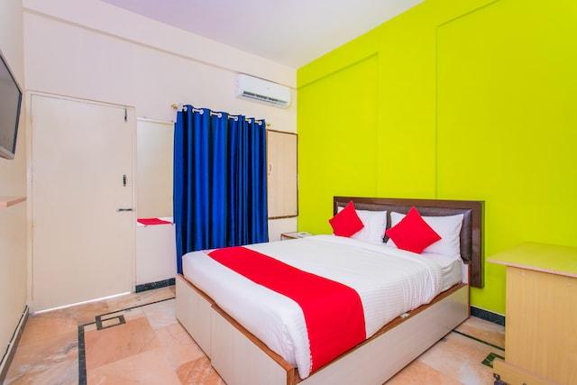 OYO 16572 Pk Suites Inn